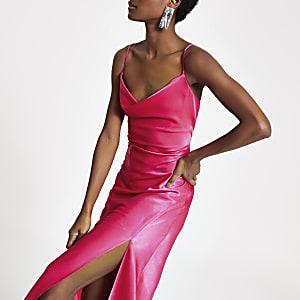 Roze maxi-slipdress met losvallende col