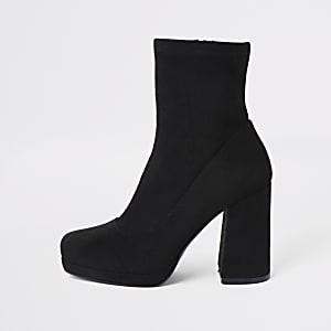 Zwarte sock boots met plateauzool en hak