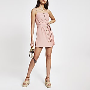 Pinkes Strand-Trägerkleid mit Knopfleiste