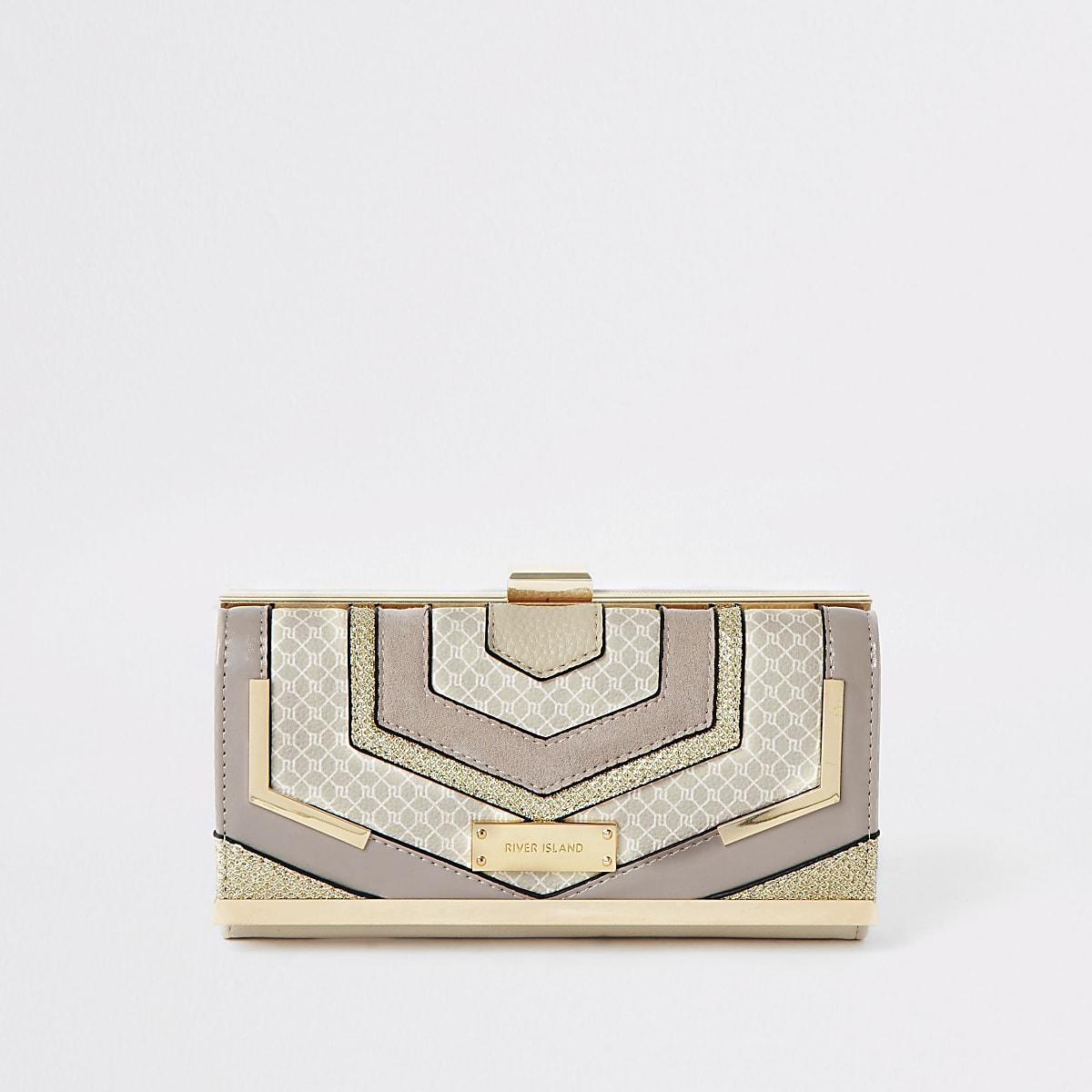 Beige cliptop cut about purse