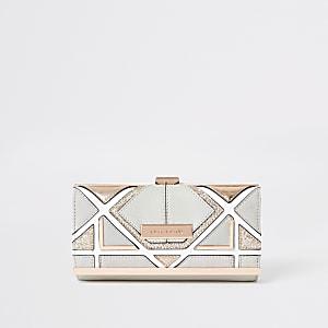 Grijze portemonnee met driehoekige uitsnede en druksluiting