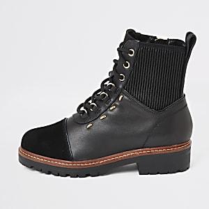 Schwarze Wanderstiefel aus Leder zum Schnüren
