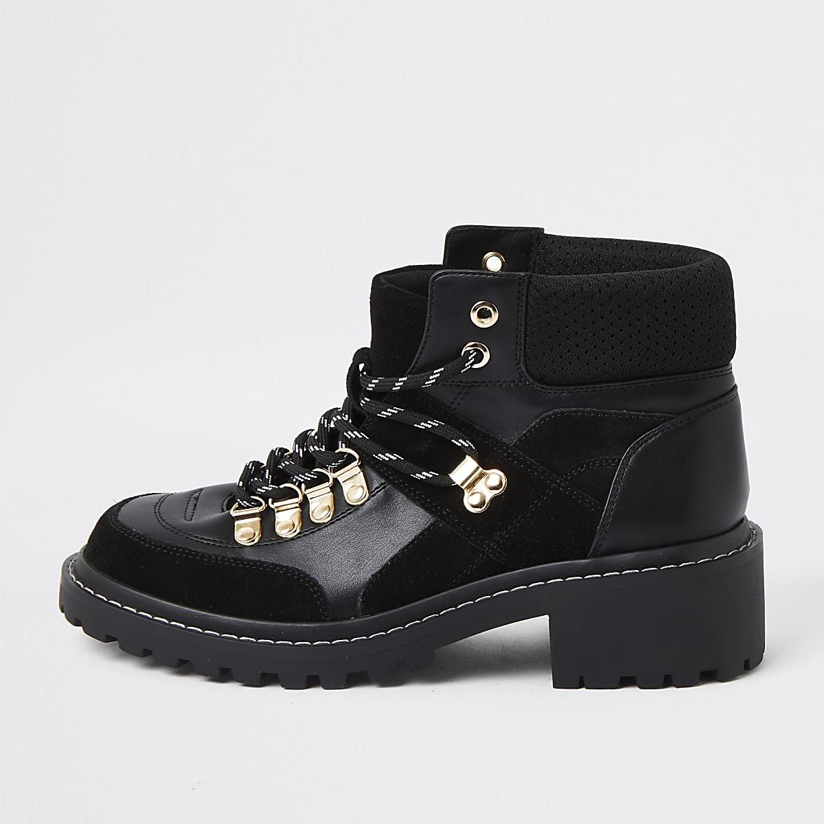 Zwarte enkelhoge wandelschoenen met vetersluiting