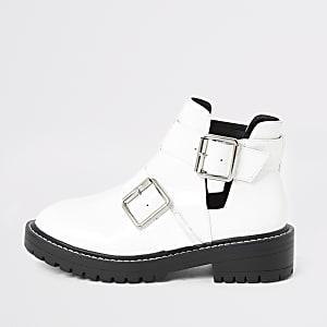 witte lakleren stevige laarzen met uitsnijding opzij