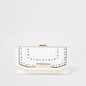 Witte portemonnee met druksluiting en studs
