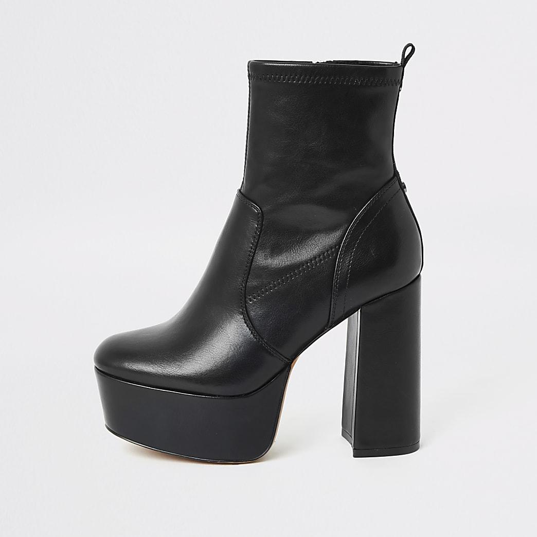 Zwarte hoge laarzen met plateauzool