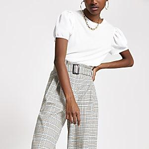T-shirt blanc à manches bouffantes