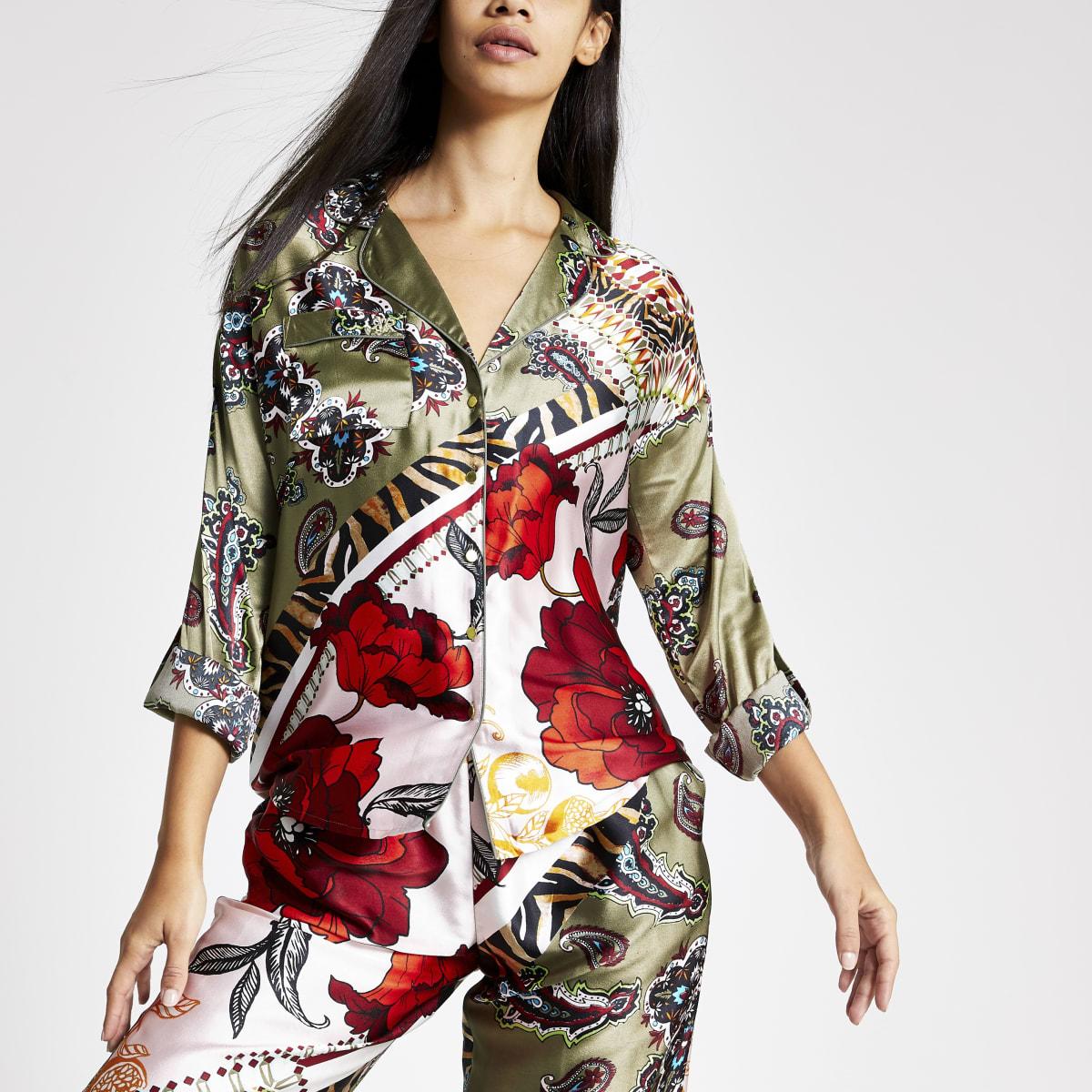 Groen satijnen pyjamashirt met bloemprint