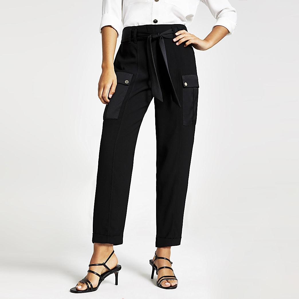 Zwarte utility smaltoelopende broek