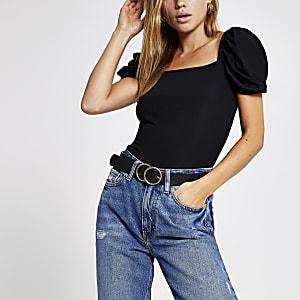 T-shirt noir côtelé à manches bouffantes