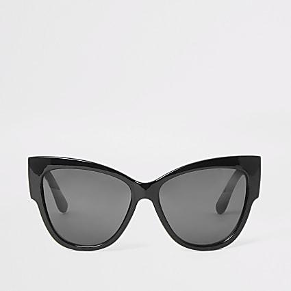 Black smoke lens cat eye sunglasses