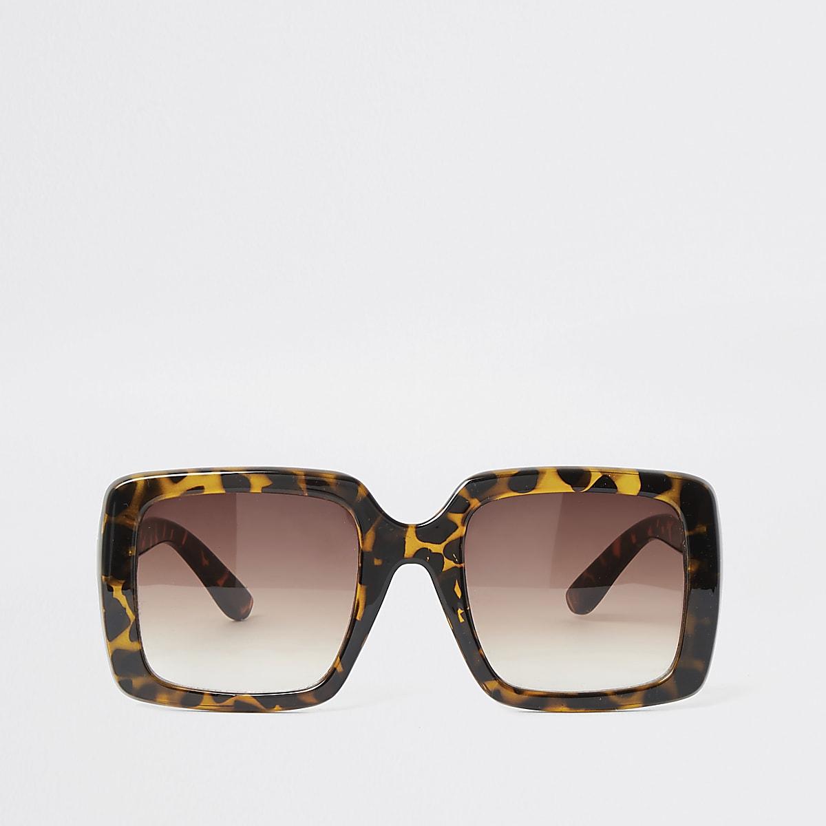 Brown tortoise shell glam sunglasses