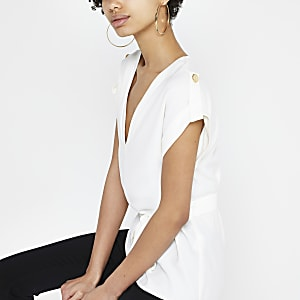Wit T-shirt met strikceintuur