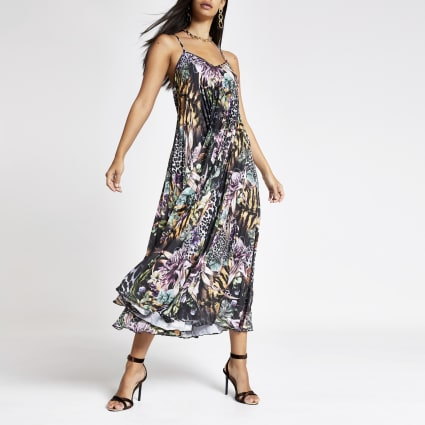 Black print satin pleated maxi dress