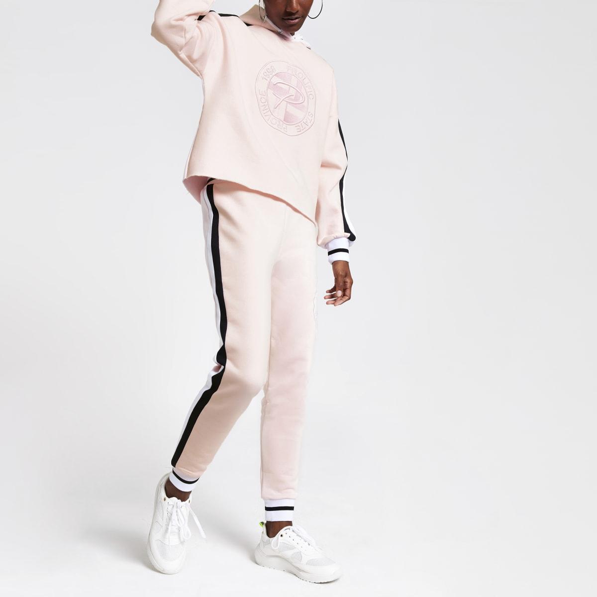 Pantalon de jogging rose à broderie Prolific