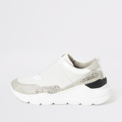 Beige elasticated chunky runner trainers