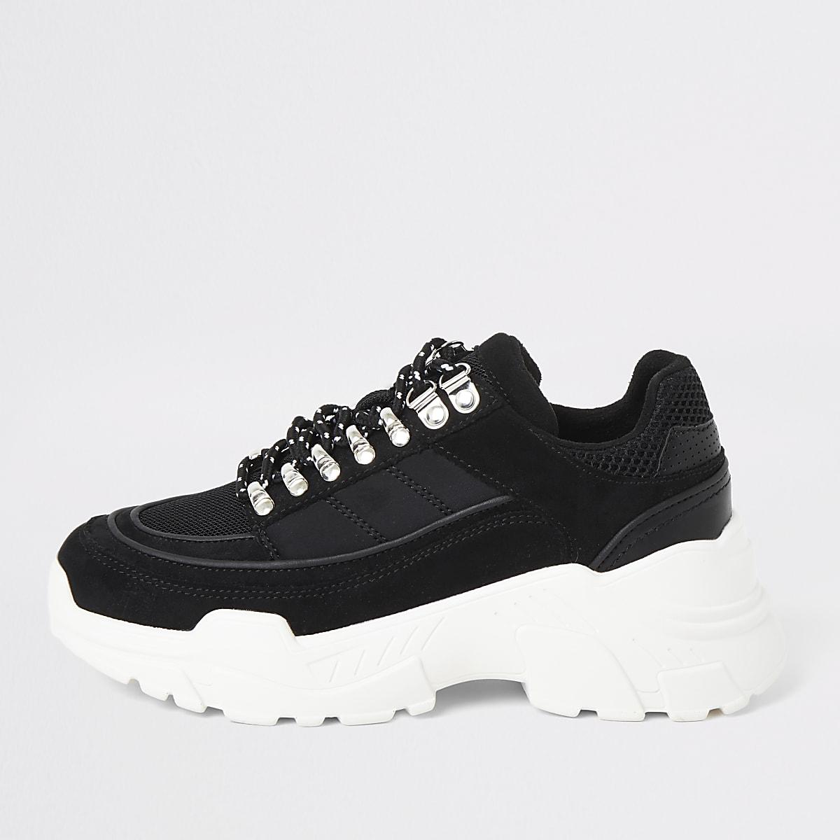 Zwarte stevige wandelsneakers