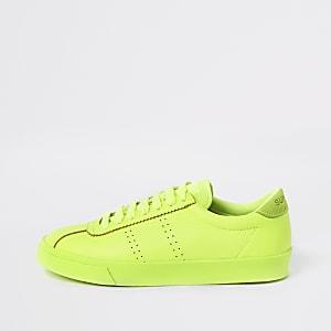 Superga – Lauf-Sneaker in leuchtendem Grün mit Schnürung