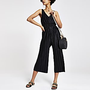 Black plisse V neck jumpsuit