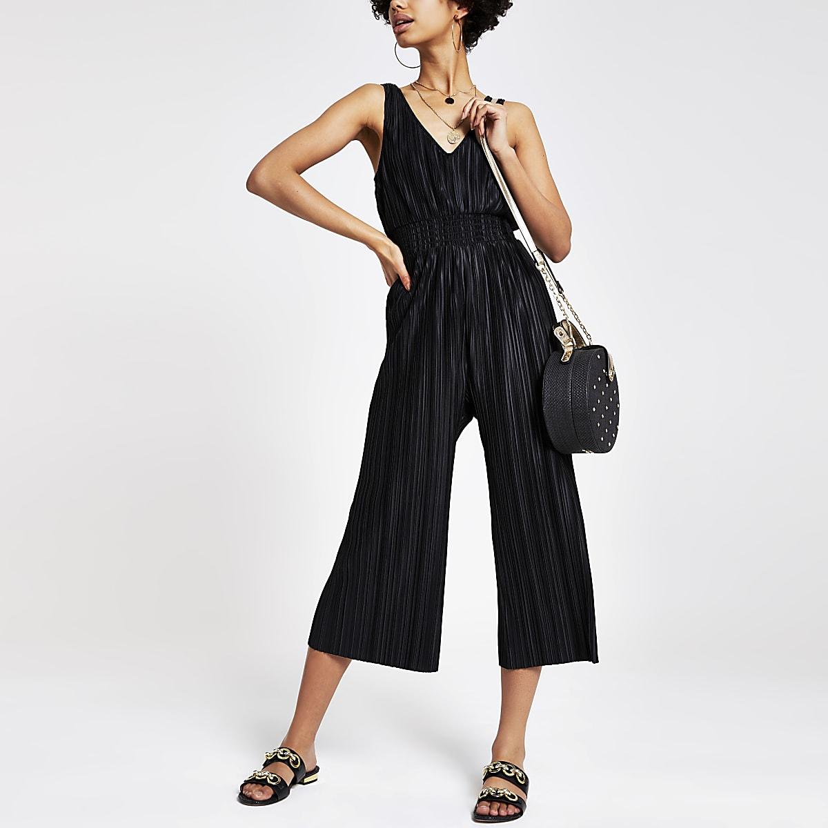 Black plisse V neck jumpsuit
