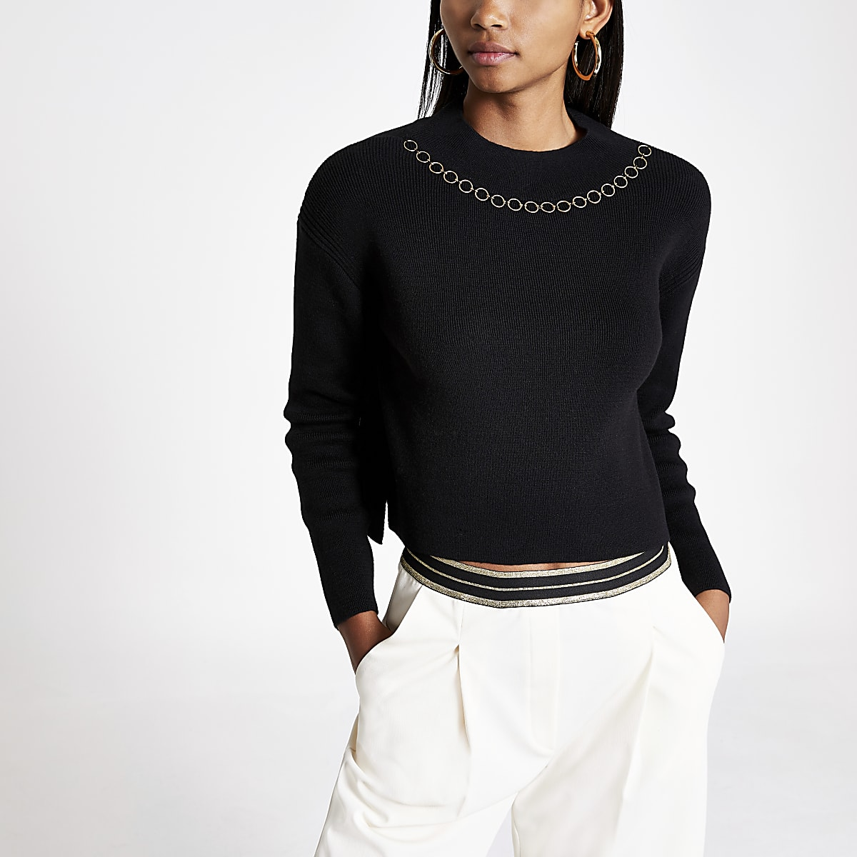 Zwarte pullover met ketting