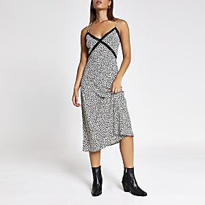 Black heart print lace maxi dress