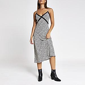 Zwarte maxi-jurk met kant en hartenprint