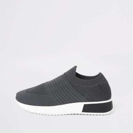 Dark grey knitted runner trainers