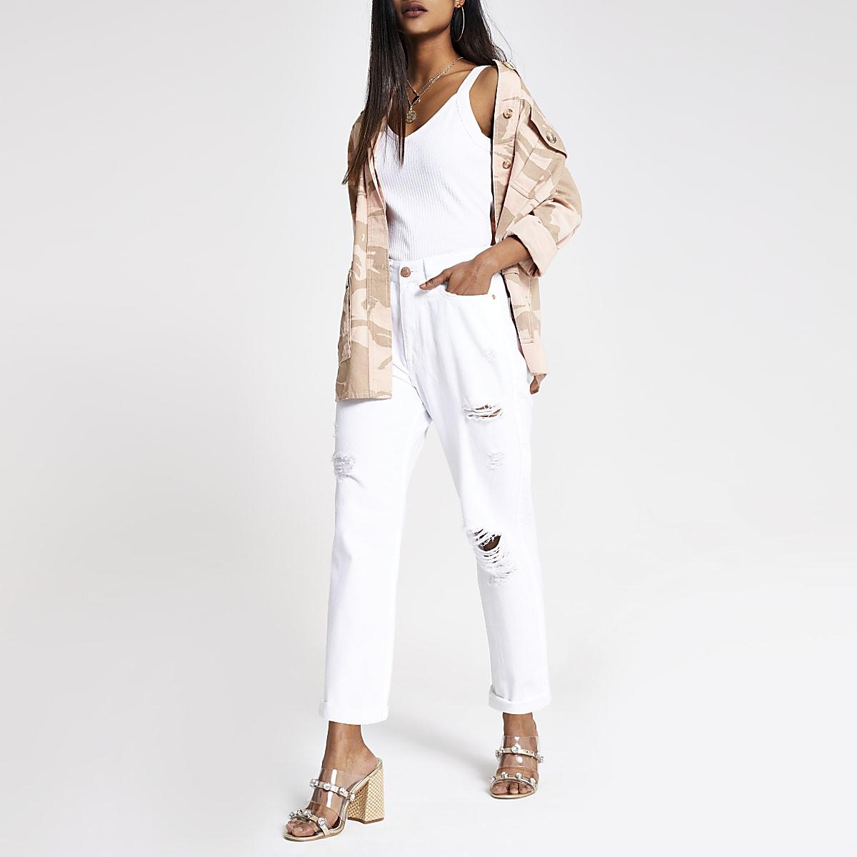 RI Petite - Witte mom jeans met scheuren en hoge taille