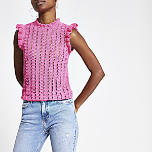 Top en maille rose texturé bordé de volants