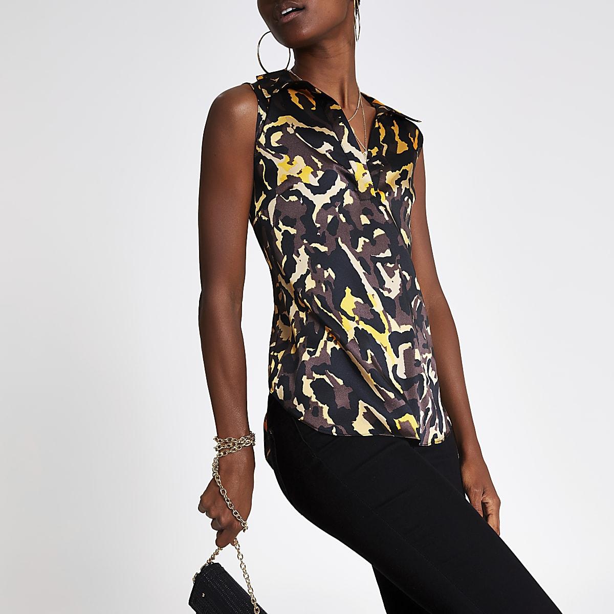 Bruine mouwloze blouse met print