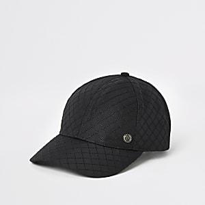 Schwarze, gesteppte Kappe