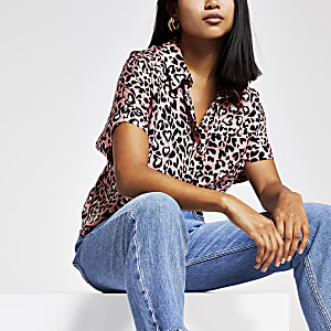 Petite – Pinkes Hemd mit Leopardenmuster