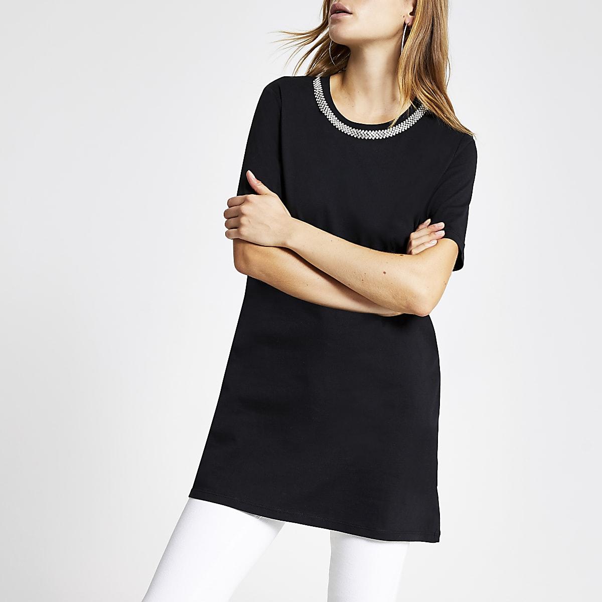 Schwarzes, langes T-Shirt