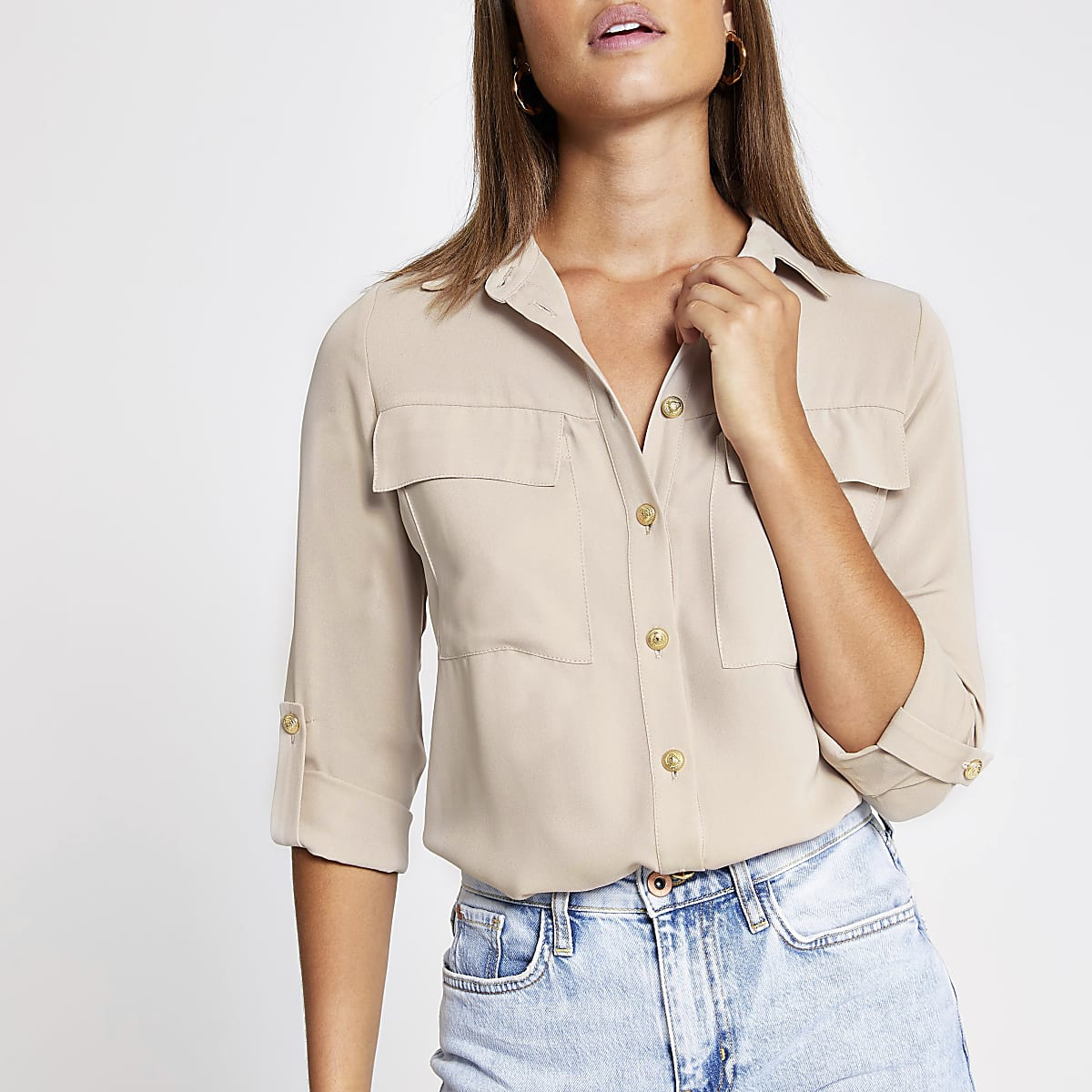 Crèmekleurig utility-overhemd met opgerolde mouwen