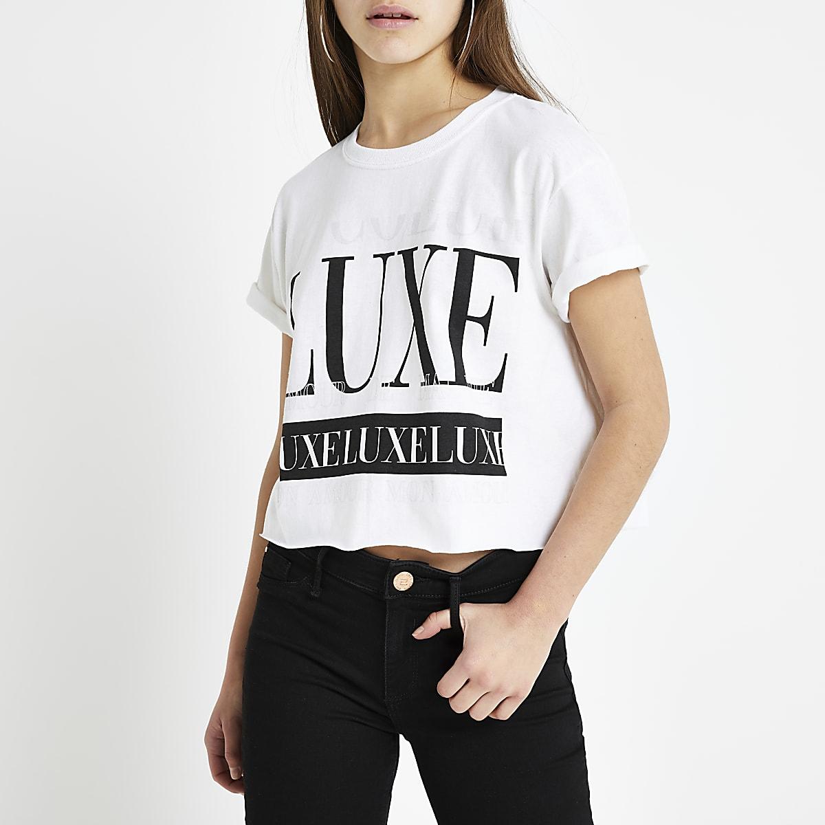 RI Petite - Wit cropped T-shirt met 'luxe'-print