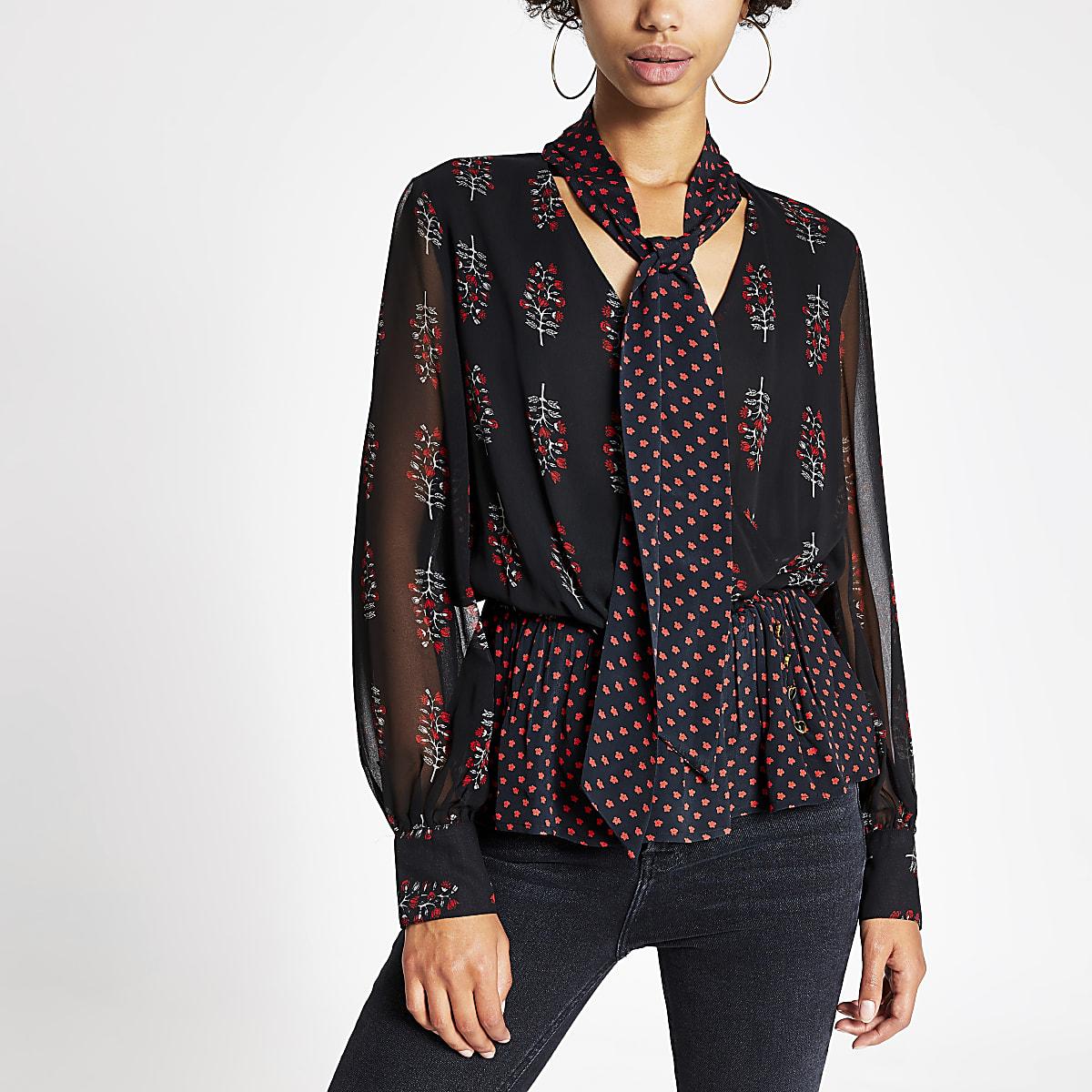 Zwarte blouse met bloemenprint, strik om hals en doorschijnende mouwen