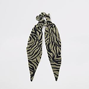 Groen sjaalhaarbandje met zebraprint