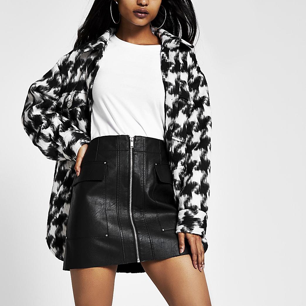 Petite – Mini-jupe en cuir synthétique noire fonctionnelle