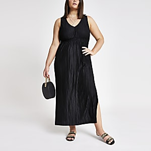 Plus black pleated maxi dress