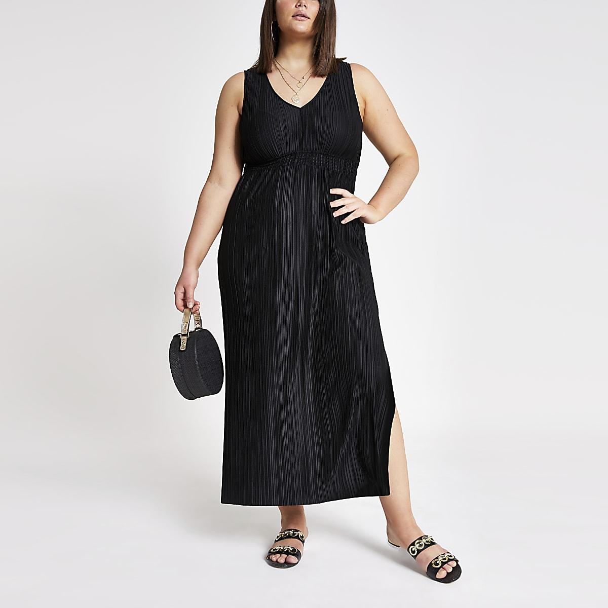 Plus black pleated maxi dress