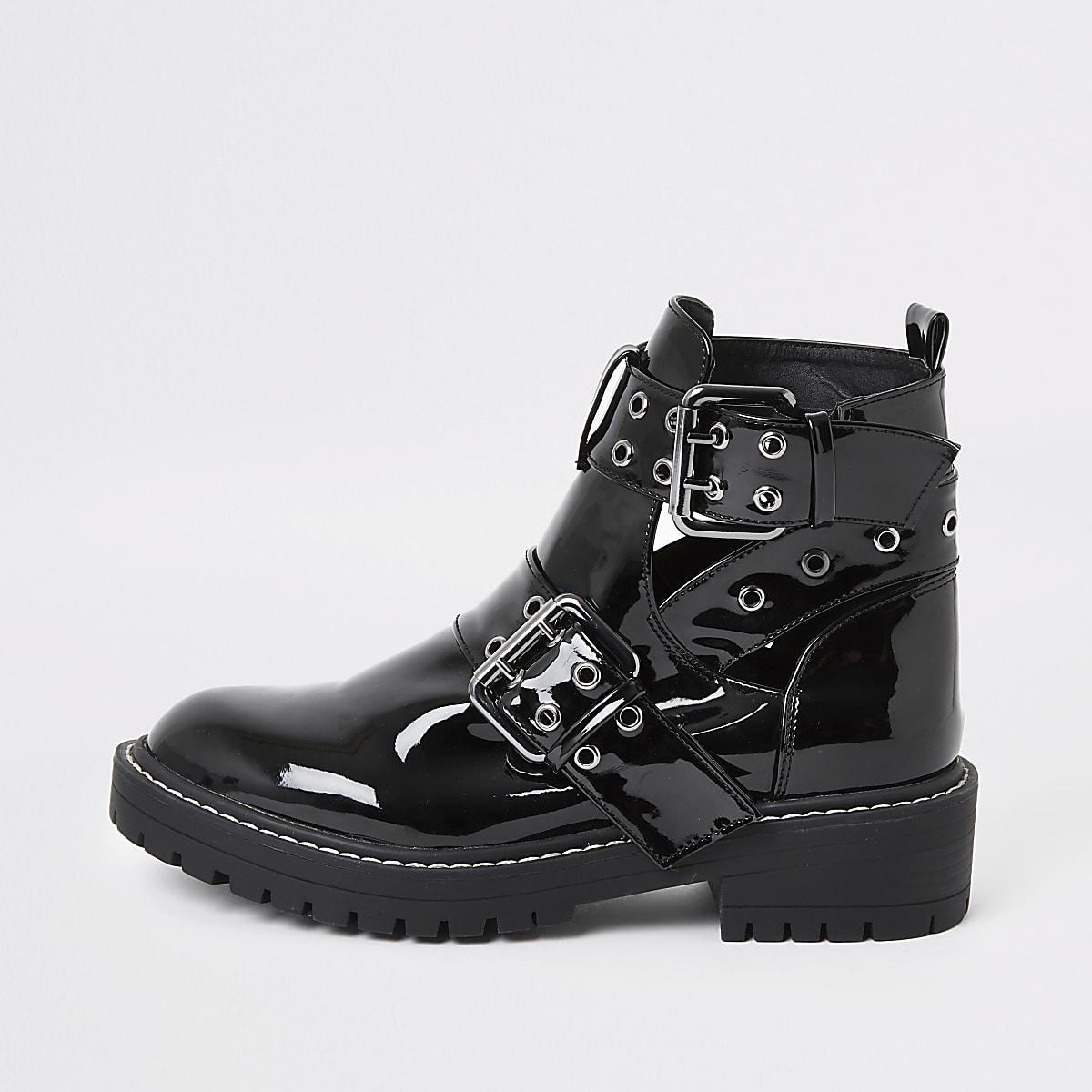 Zwarte lakleren stevige laarzen met uitsnijding en wijde pasvorm