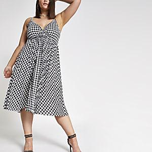 Plus black print pleated midi dress