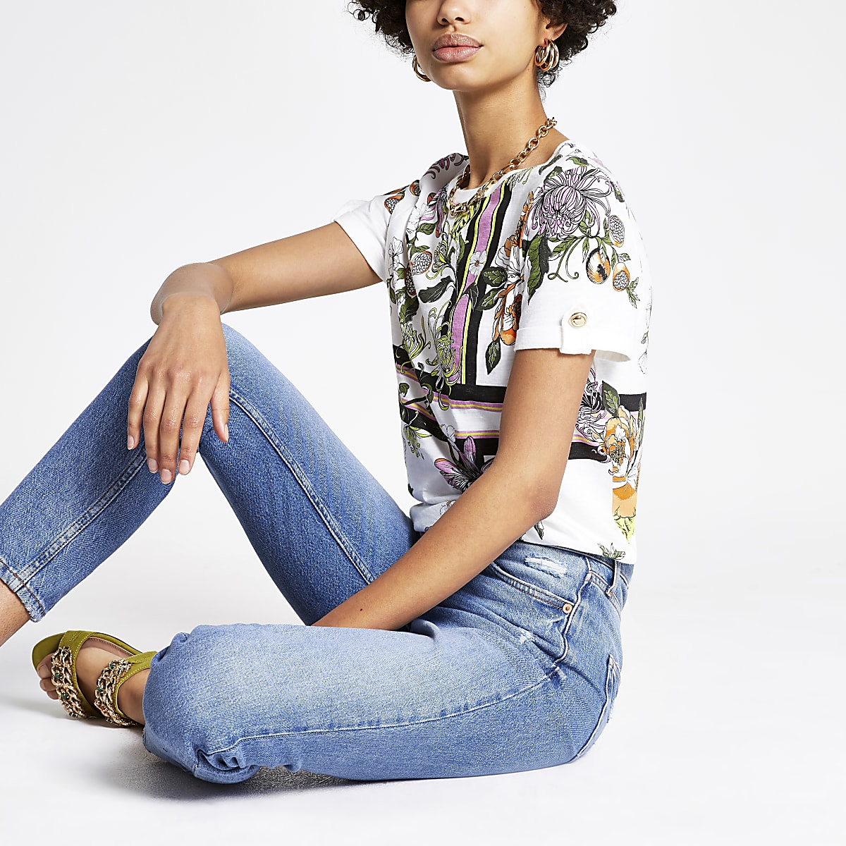 White floral rolled up sleeve T-shirt