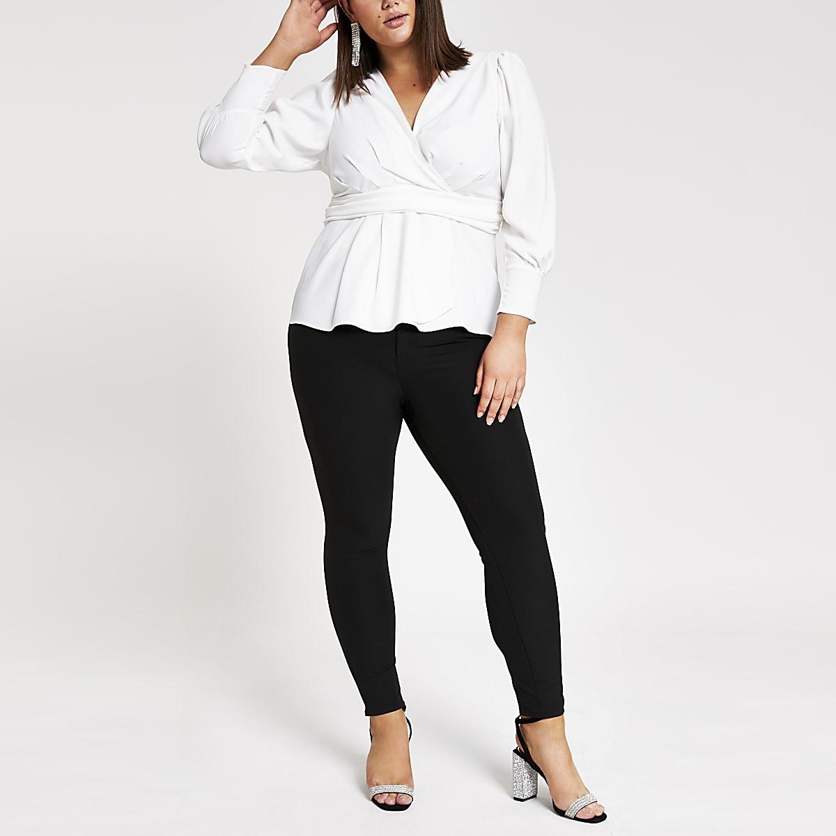 RI Plus - Witte blouse met overslag voor