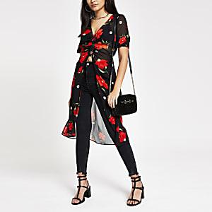 Kimono à fleurs rouge