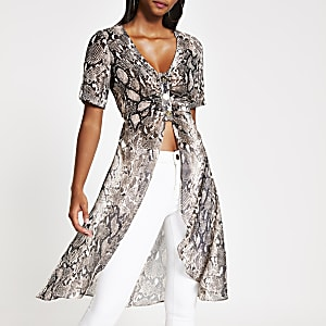 Brauner Kimono in Schlangenlederoptik