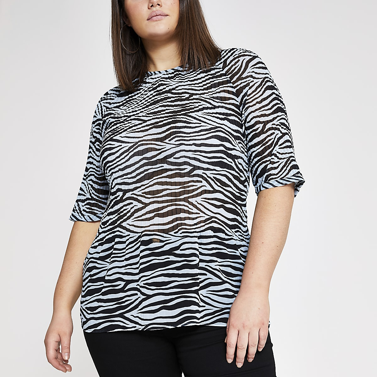 Plus blue zebra print plisse top