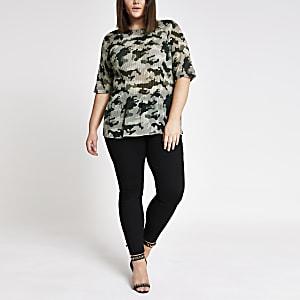 Plus – Grünes, plissiertes Oberteil mit Camouflage