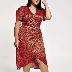 Plus – Rotes Wickel-Midikleid mit Herzprint